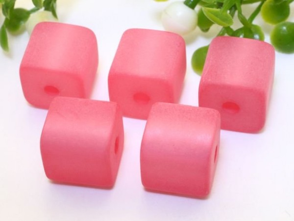 Polarisperle Würfel 4 x 4 mm rosa
