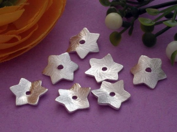 1 gewellte Scheibe Metall Stern versilbert 10 mm