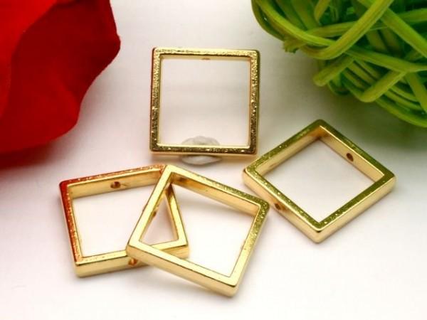 3 Metall Quadrate 16 mm goldfarben