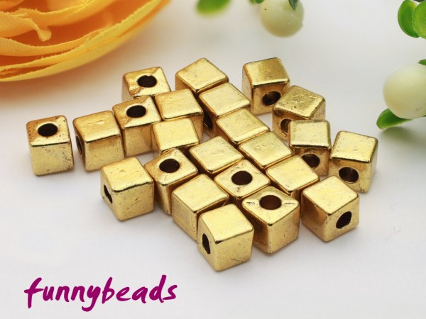 50 Metallwürfel goldfarben 4 mm