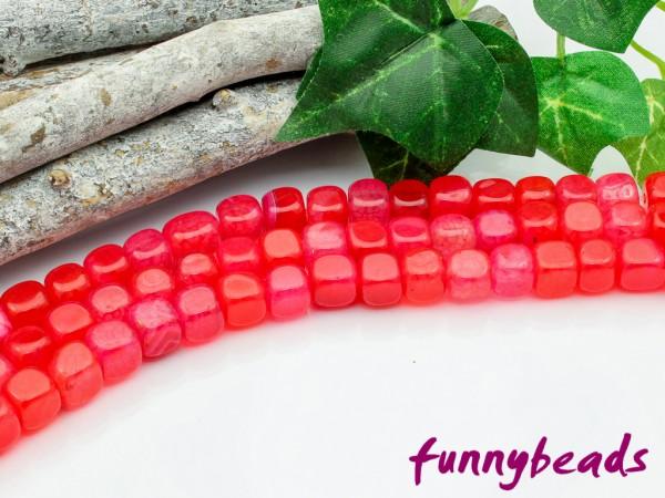 Achat Würfel 6,5 mm rot gefärbt poliert Halbstrang