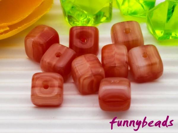 30 Glaswürfel rot meliert 6 mm