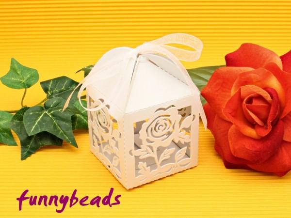 Geschenkbox Rosen weiß mit Organzaband