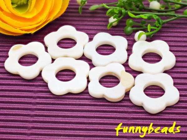 10 Perlmutt Scheiben Blume natur-weiß 20 mm